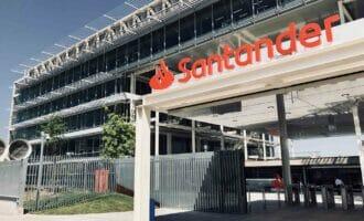 Santander revisará dividendos y rebaja la remuneración de su consejo