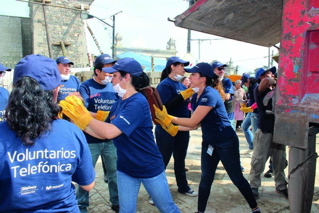 Voluntarios Telefonica ayudando en la crisis del coronavirus