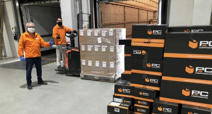 PcComponentes dona material para los coronamakers