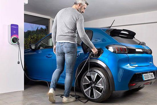 Endesa-y-Athlon-presentan-el-renting-eléctrico-todo-incluido