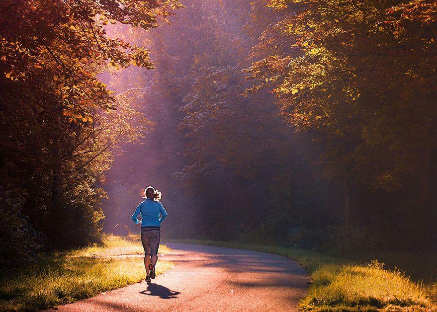 correr temprano en la mañana es la peor opción.
