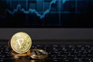 ¿es mejor invertir en bitcoin o ethereum? rlc criptomoneda