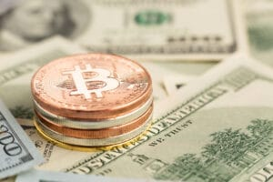 dinero real y criptomonedas