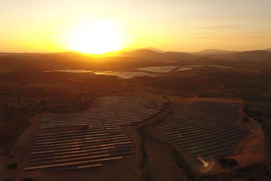 plantas-solares-La-Vega-I-y-La-Vega-II-de-Endesa-en-Málaga