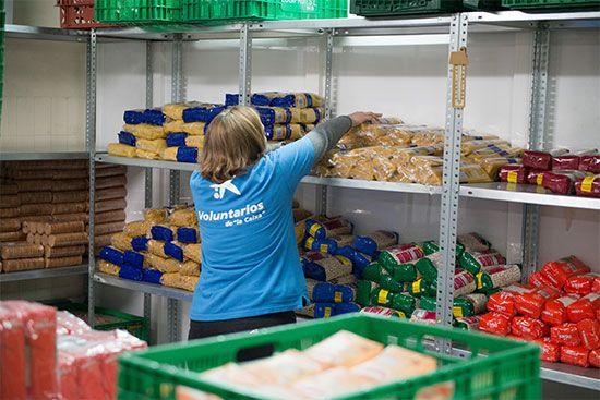 CaixaBank-destinó-casi-45-millones-de-euros-a-causas-sociales-en-2020
