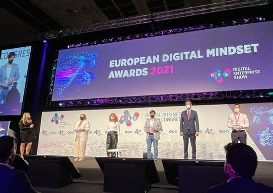 """Correos-recibe-el-premio-""""Best-Digital-Transformation-Enterprise""""en-el-Digital-Enterprise-Show-de-Madrid"""