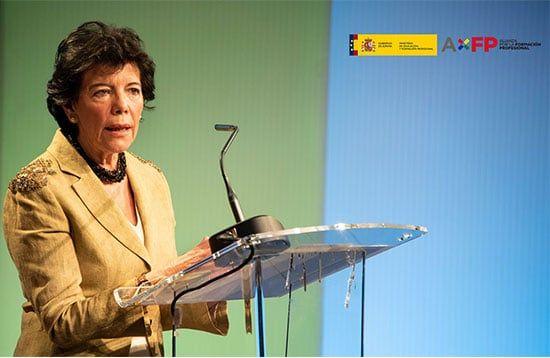 Isabel-Celaa-presenta-la-Alianza-por-la-FP