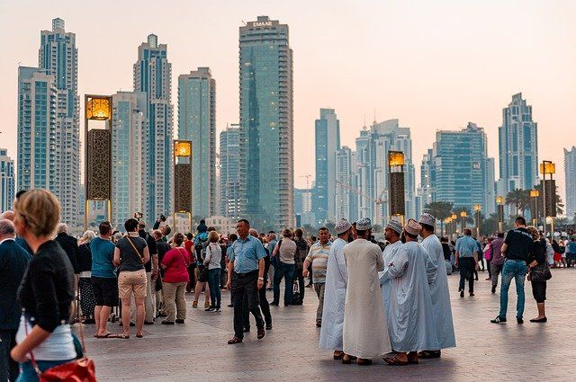 XTB abre oficina en Dubai
