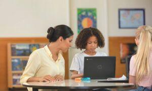 Fundación SERES y HP lanzan un informe para mejorar la cohesión social desde la digitalización